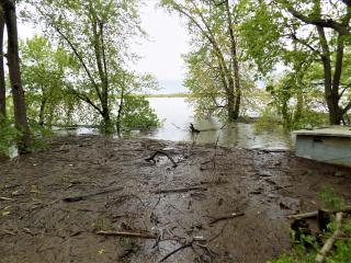 Quiver Lake flooded 9-May-2019 at 26.64 feet